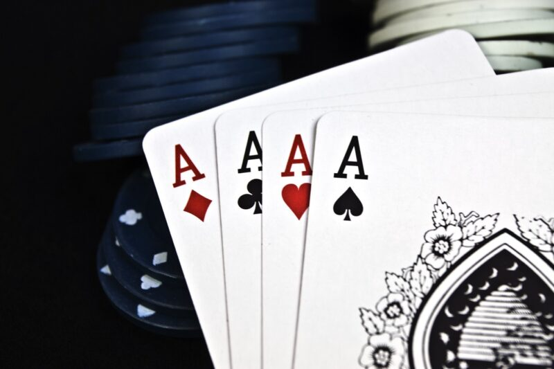 Reading Capsa Susun Game Stacking Articles Online Has Many Advantages